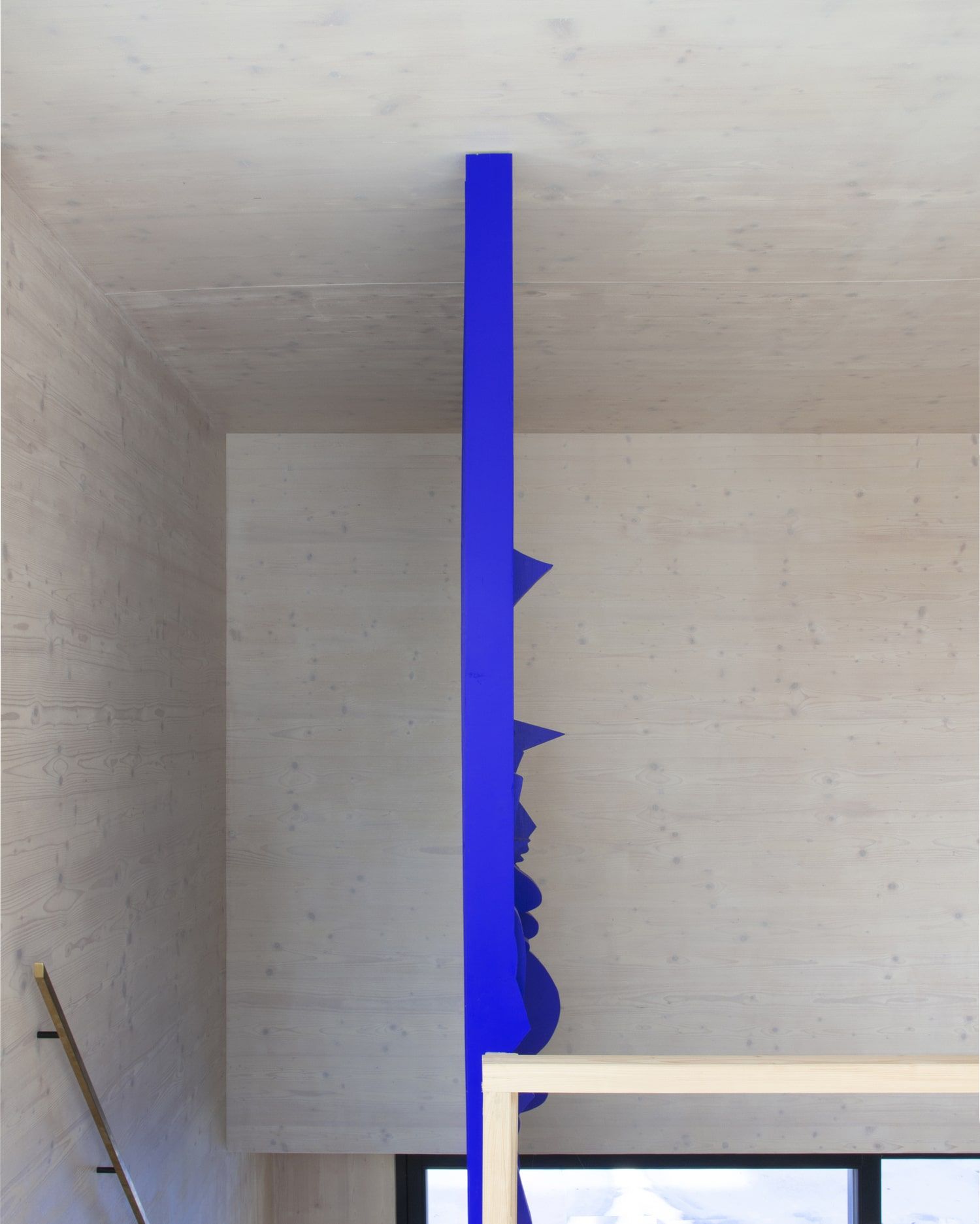 ultramarine staircase wall for private residence in milovice made of solid wood interior design by jiri krejcirik_4ultramarine staircase wall for private residence in milovice made of solid wood interior design by jiri krejcirik_4