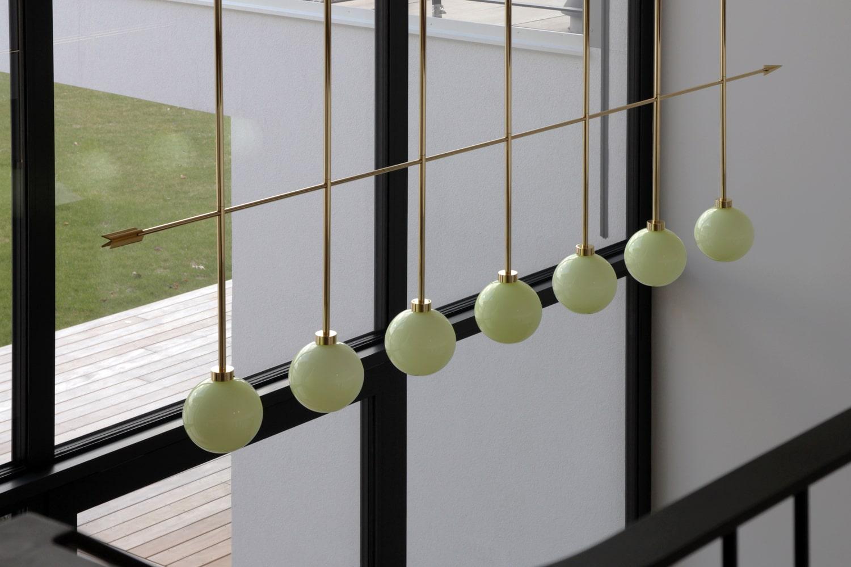 lighting-object-chandelier-arrow-site-specific-design-illumination-unique-svitidlo-lustr-svetelny-objekt-rony-plesl-jiri-krejcirik-6